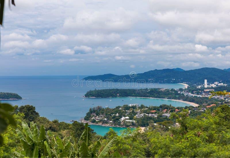 Kata Karon synvinkel på den Phuket ön, Thailand fotografering för bildbyråer