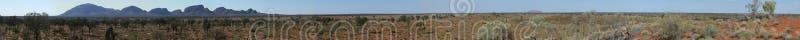 Kata Tjuta (Olgas) und Uluru (Ayers Felsen) Panorama stockfoto