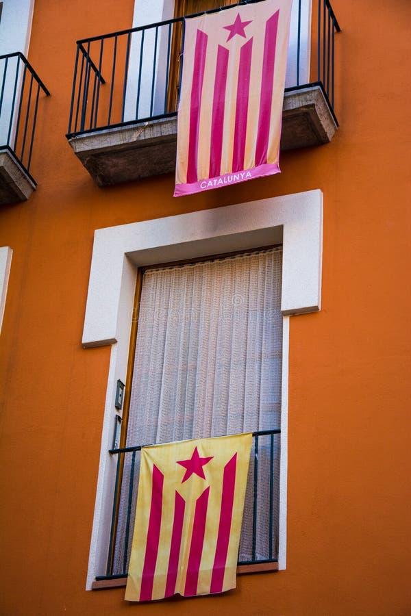 Katalońskie bezpartyjnik flaga na balkonach, Catalonia zdjęcia royalty free