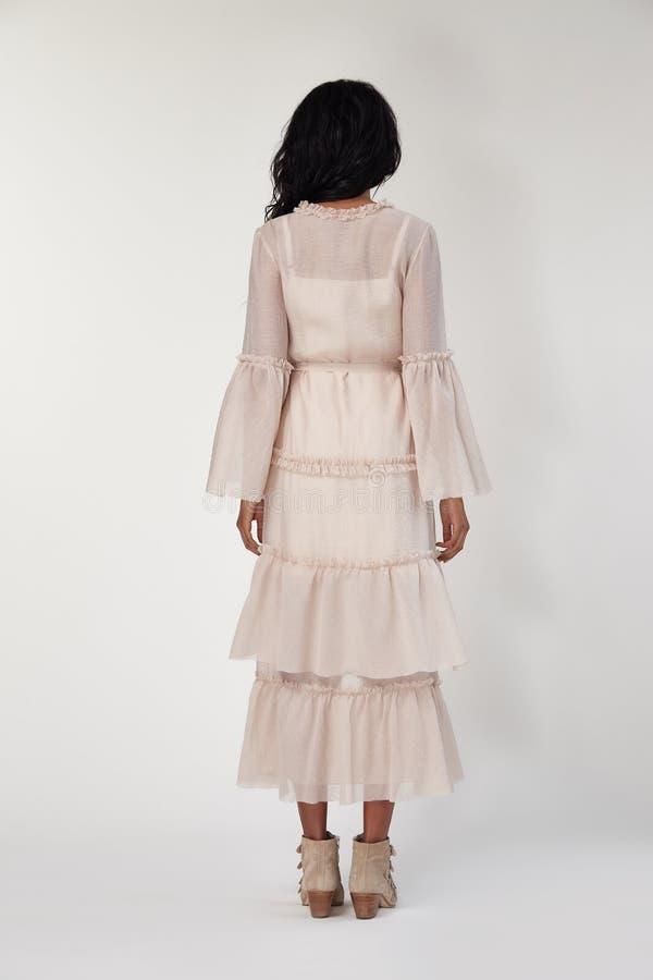 Katalog projektantów modych ubrania przypadkowi i biurowa biznesowej kobiety stylu suknia dla spotykać spacer i daktylową piękną  zdjęcia stock