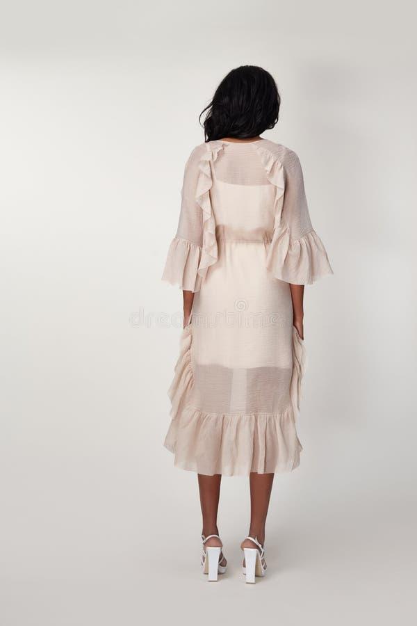 Katalog projektantów modych ubrania przypadkowi i biurowa biznesowej kobiety stylu suknia dla spotykać spacer i daktylową piękną  obrazy royalty free