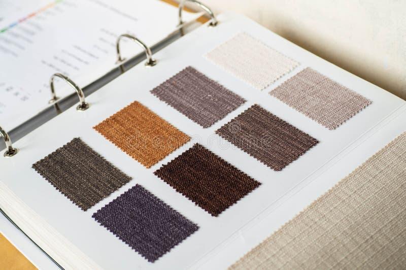 Katalog stubarwny p??tno od matowa? tkaniny tekstury t?o, jedwabniczej tkaniny tekstura zdjęcia royalty free