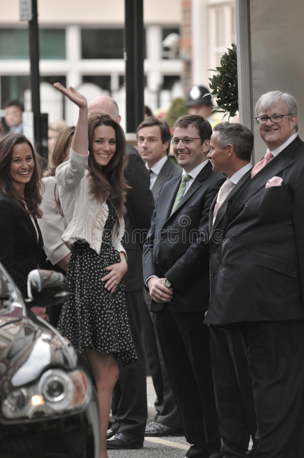 Kate Middleton arrives at the Goring Hotel. On the evening before her wedding to Prince William royalty free stock photography