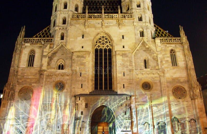 Katedra św. Szczepana lub Die Domkirche St Stephan, Wien Medieval rzymskokatolickie miejsce kultu z ozdobnym spirem obrazy royalty free