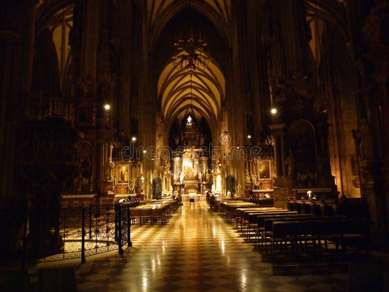 Katedra św. Szczepana lub Die Domkirche St Stephan, Wien Medieval rzymskokatolickie miejsce kultu z ozdobnym spirem fotografia royalty free