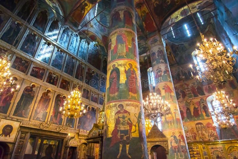 Katedra Dormition Uspensky Sobor lub wniebowzięcia katedra Moskwa Kremlowski wnętrze, Rosja zdjęcia stock
