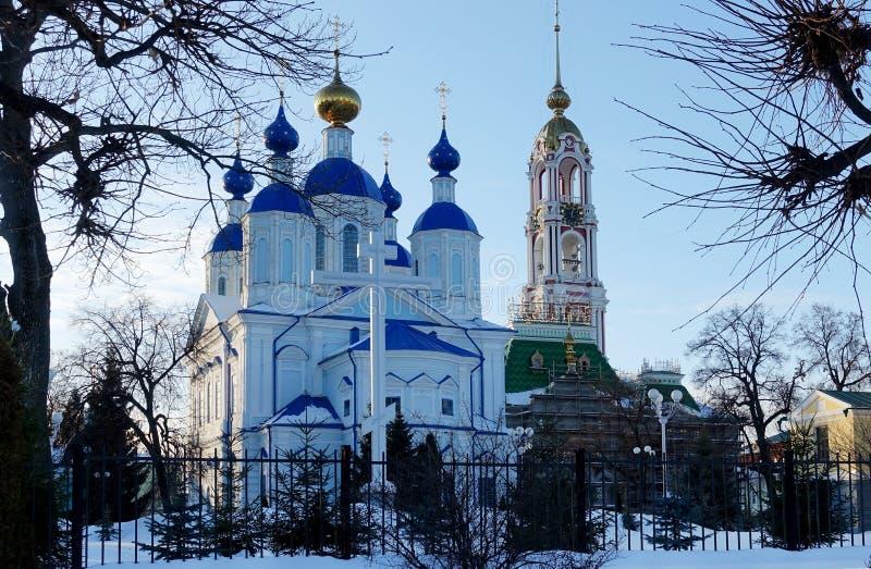 Katedra Kazan ikona matka bóg Tambov i Dzwonkowy wierza Tambov fotografia stock