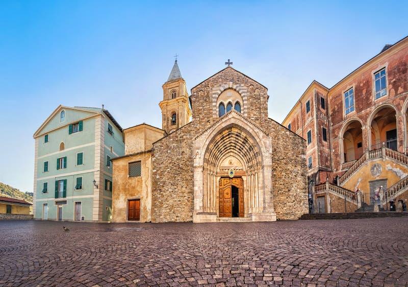 Katedra Santa Maria Assunta w Ventimiglia, Włochy obrazy royalty free