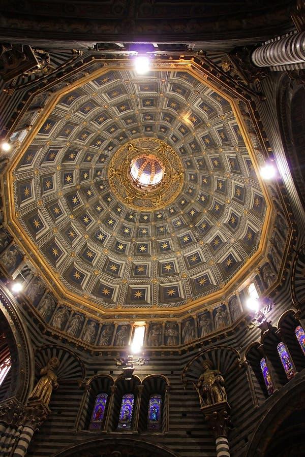 Download Katedra Siena W Włochy, Budująca W Xiii Wiek Zdjęcie Stock - Obraz złożonej z włoch, widok: 28956800
