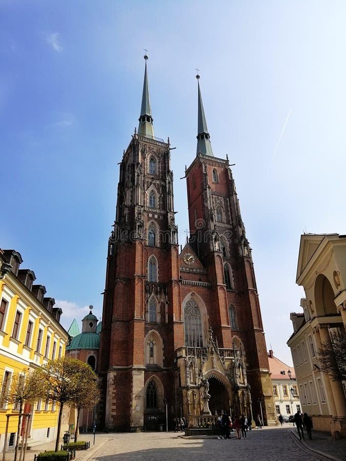 Katedra St John baptysta w WrocÅ 'aw i otaczaniach zdjęcie royalty free
