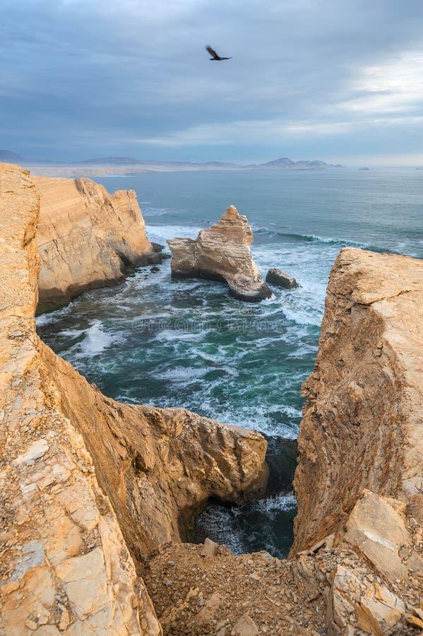Katedralna Rockowa formacja, Peruwiańska linia brzegowa fotografia stock