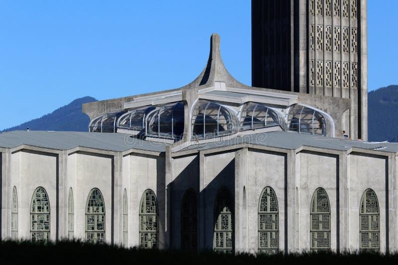 Katedralny i Dzwonkowy wierza - opactwo abbey misja BC fotografia stock