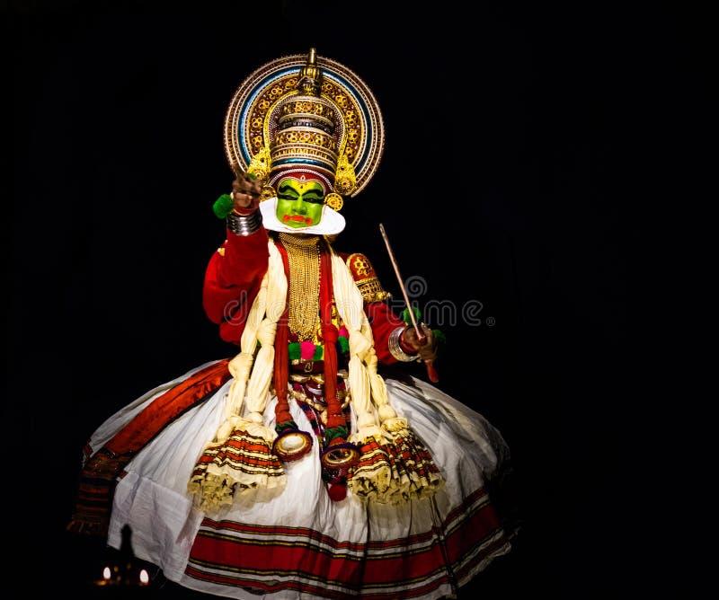 Kathakali喀拉拉古典舞蹈人递表示 免版税图库摄影