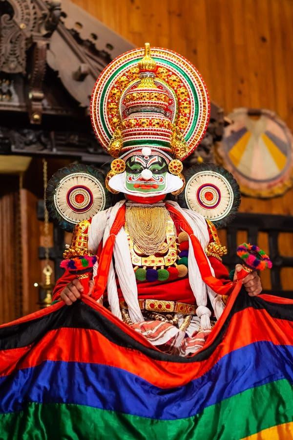 Kathakali dansshow i Cochin, Indien arkivbilder