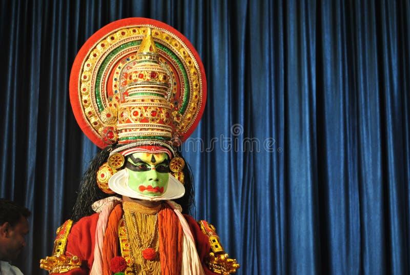 Kathakali tancerz przygotowywający dla występu fotografia royalty free