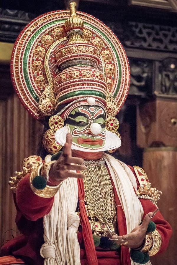 Kathakaliuitvoerder in de positieve pachcharol royalty-vrije stock afbeeldingen