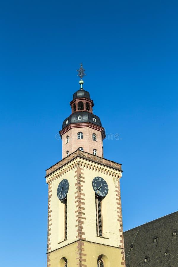 Katharinenkirche & x28; St Catherine& x27; church& x29; in het oude stadscentrum stock foto's