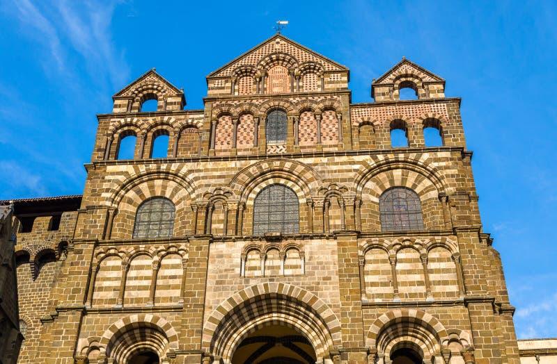 Kathedraal Notre-Dame van Le Puy-en-Velay - Frankrijk royalty-vrije stock foto's