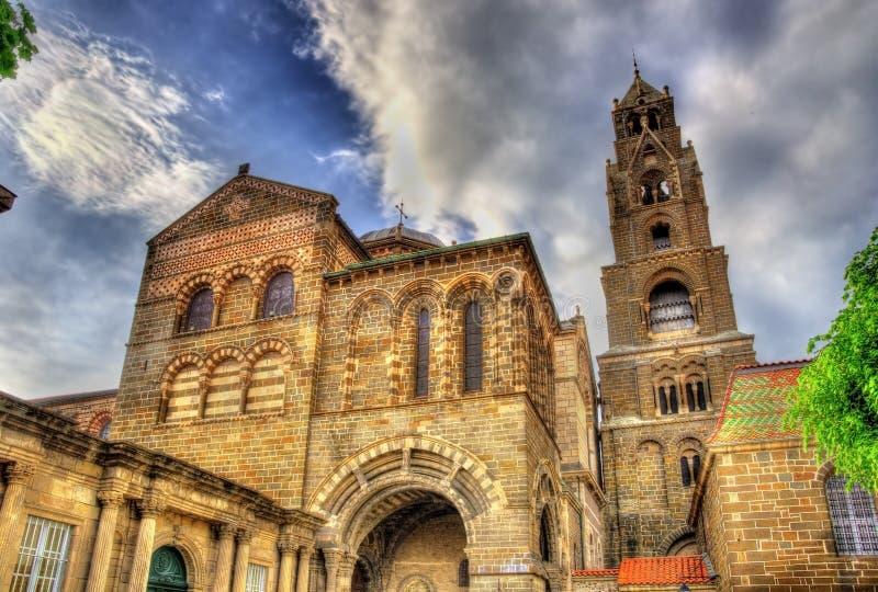 Kathedraal Notre-Dame van Le Puy-en-Velay - Frankrijk royalty-vrije stock foto