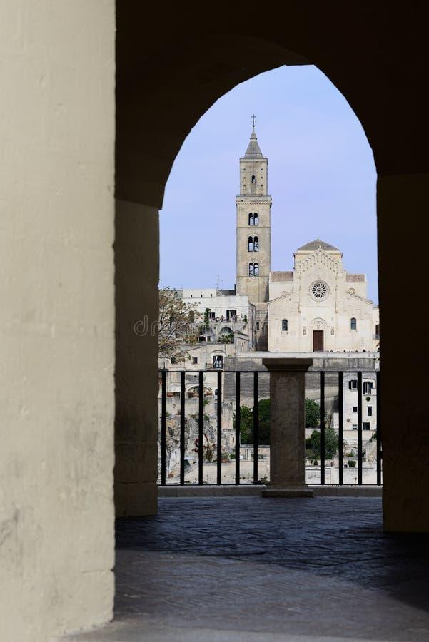 Kathedraal in Sassi van Matera stock fotografie