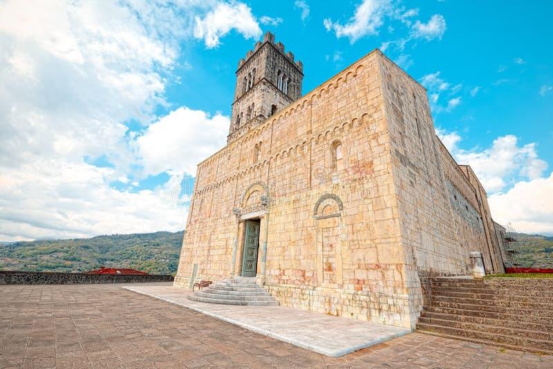 Kathedraal van Barga, Luca, Toscanië stock fotografie