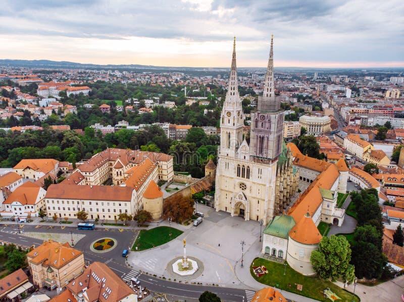 Kathedraal van de oude Europese gotische kerk van Zagreb royalty-vrije stock fotografie