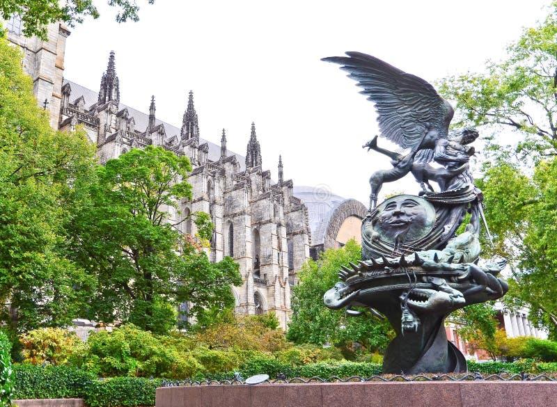 Kathedraal van Heilige John Goddelijk in de Stad van New York stock foto's