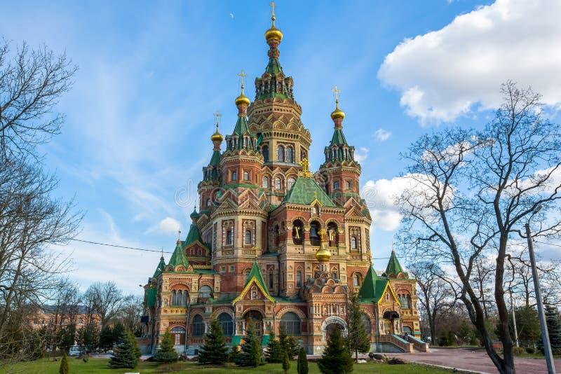 Kathedraal van Heiligen Peter en Paul Peterhof - Heilige Petersburg, Rusland stock foto's