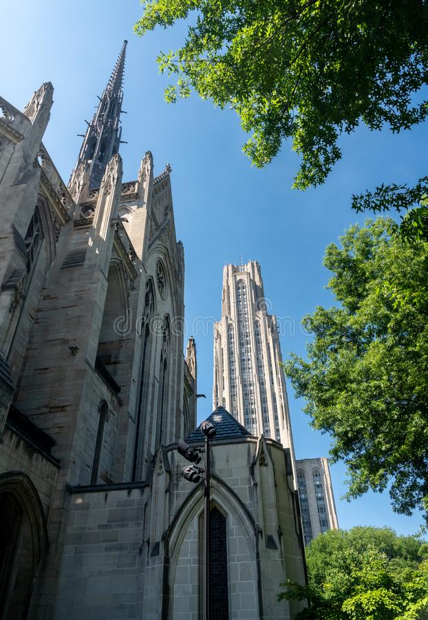 Kathedraal van het Leren en Heinz Chapel in UPitt royalty-vrije stock afbeeldingen