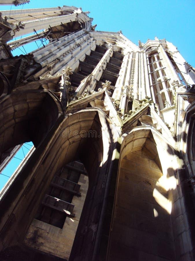 Kathedraal van Onze Dame van de bovenkant van Reims van binnenuit stock foto