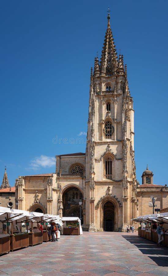 Kathedraal van Oviedo, Spanje royalty-vrije stock foto's