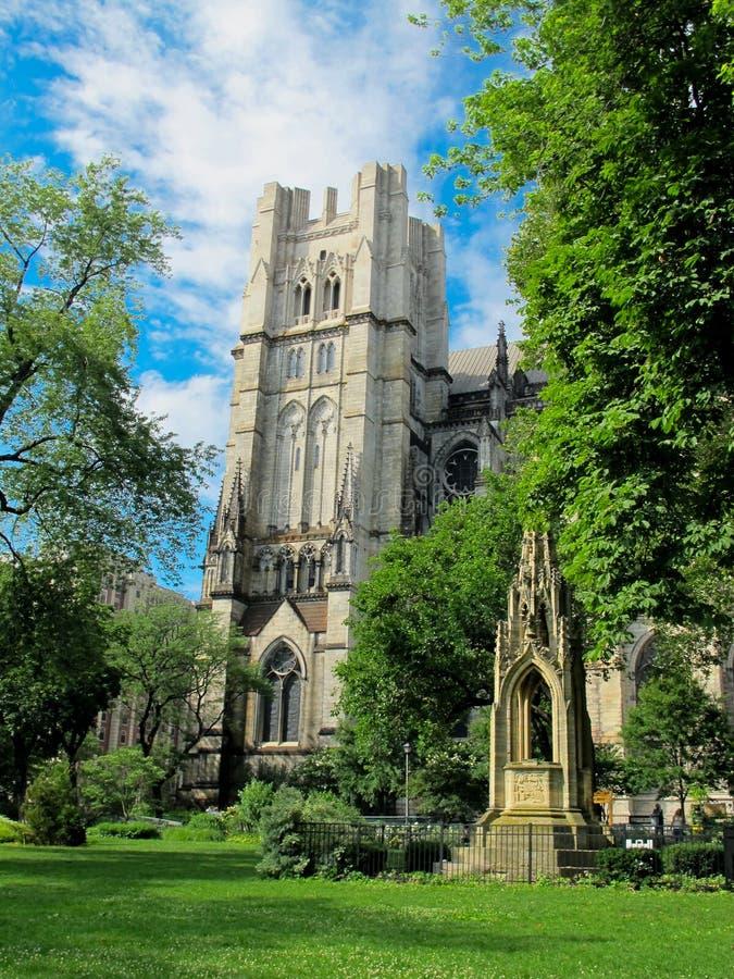 Kathedraal van St John Goddelijk, NYC stock afbeeldingen