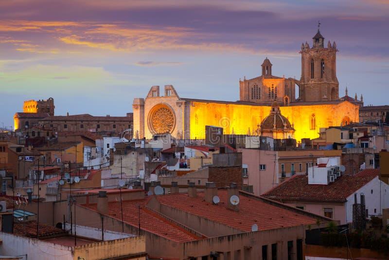 Kathedraal van Tarragona in schemering royalty-vrije stock afbeeldingen