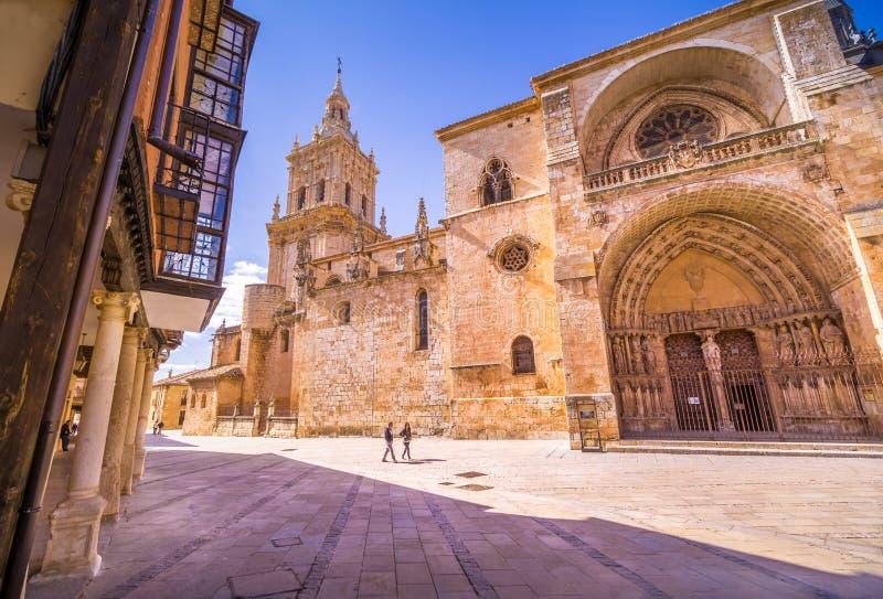Kathedraalde La Asuncià ³ n DE Gr Burgo DE Osma stock fotografie