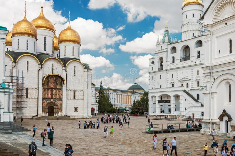 Kathedraalvierkant en de kerken in Moskou het Kremlin royalty-vrije stock afbeeldingen