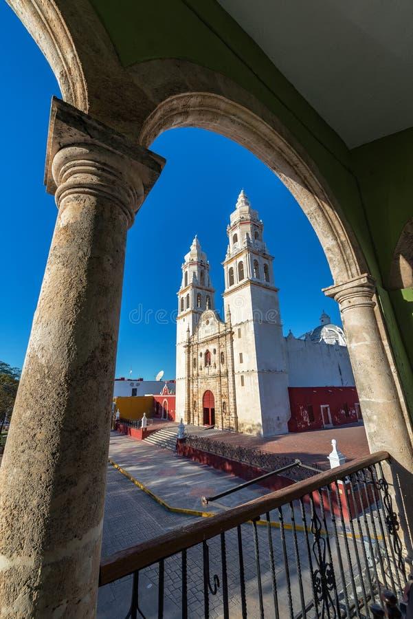 Kathedrale angesehen vom Balkon lizenzfreies stockfoto