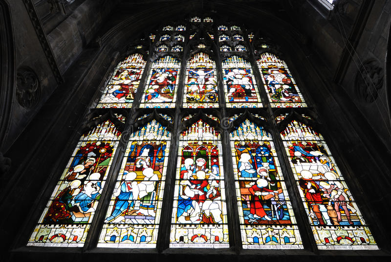 Kathedrale-Fleck-Glas lizenzfreie stockfotografie