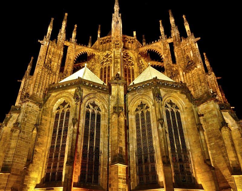 Kathedrale St Vitus nachts stockfotografie