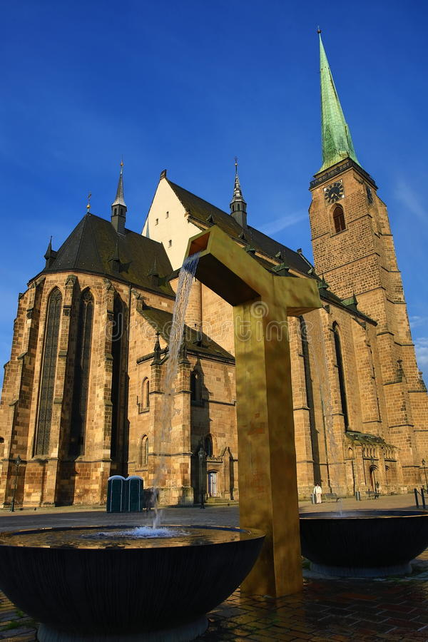 Kathedrale von St Bartholomew, alte Architektur, Pilsen, Tschechische Republik lizenzfreie stockbilder