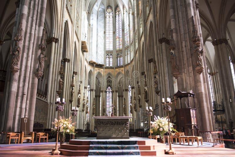 Kathedralen-Köln-Innenraum lizenzfreies stockfoto