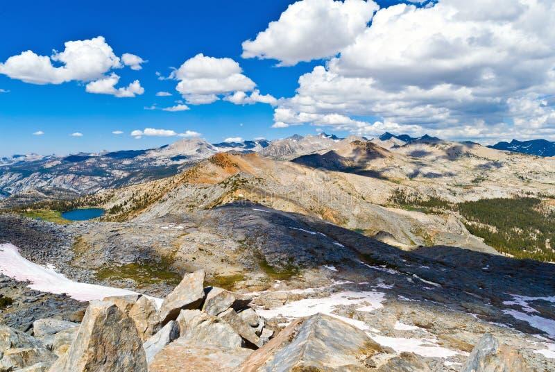 Kathedralen-Reichweite von der Posten-Spitze, Yosemite Nationalpark, Californ lizenzfreies stockbild
