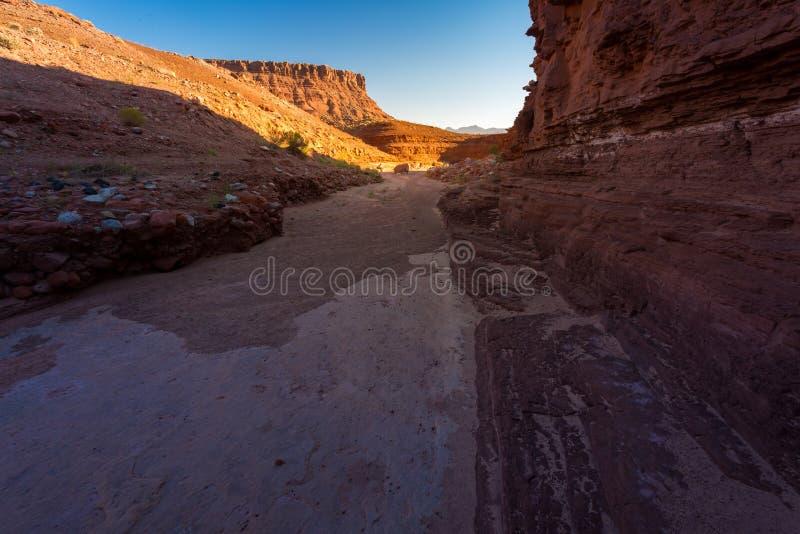 Kathedralen-Wäsche-Spur in Arizona stockfoto