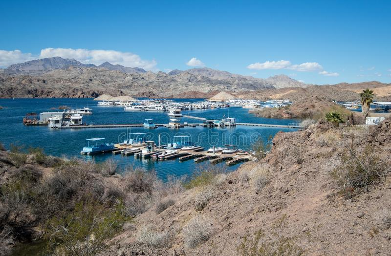 Katherine Landing Marina bij Meer Mohave, mening van Fishermans-Sleep royalty-vrije stock foto's
