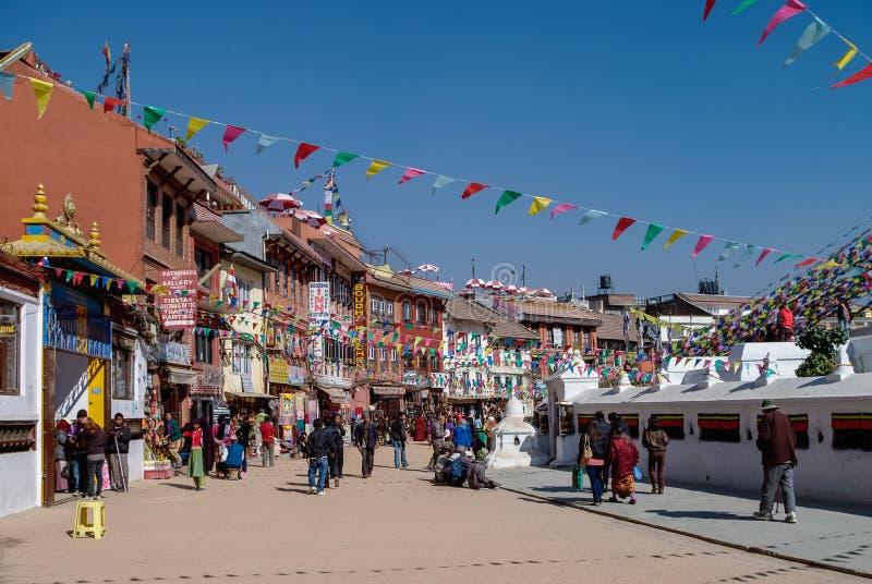 Kathmandu Nepal, Grudzień, - 29, 2011: Ulica wokoło stupy w Bou fotografia royalty free