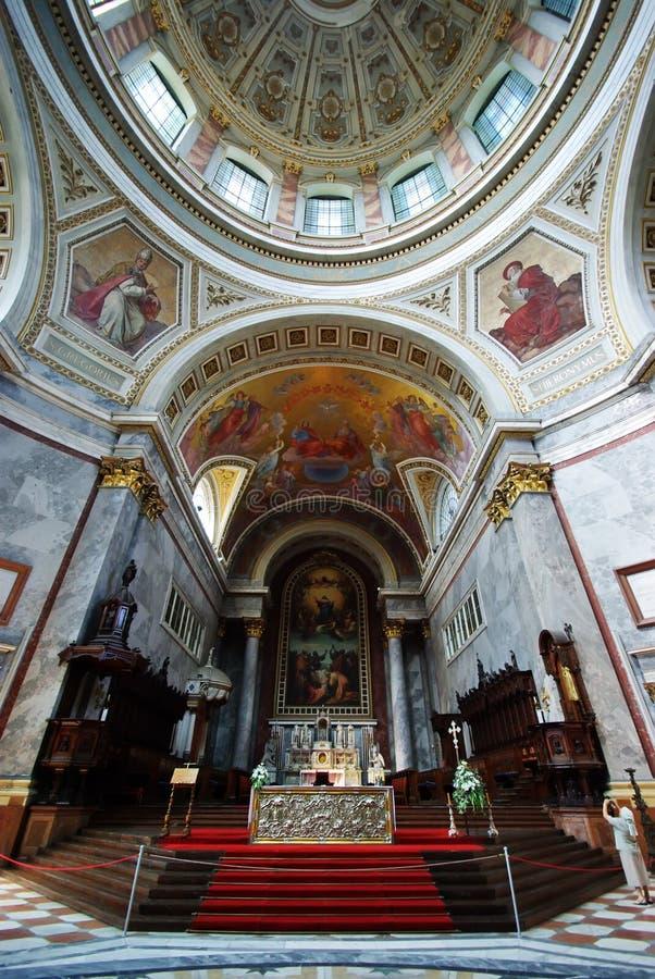 Katholieke basiliek stock foto's