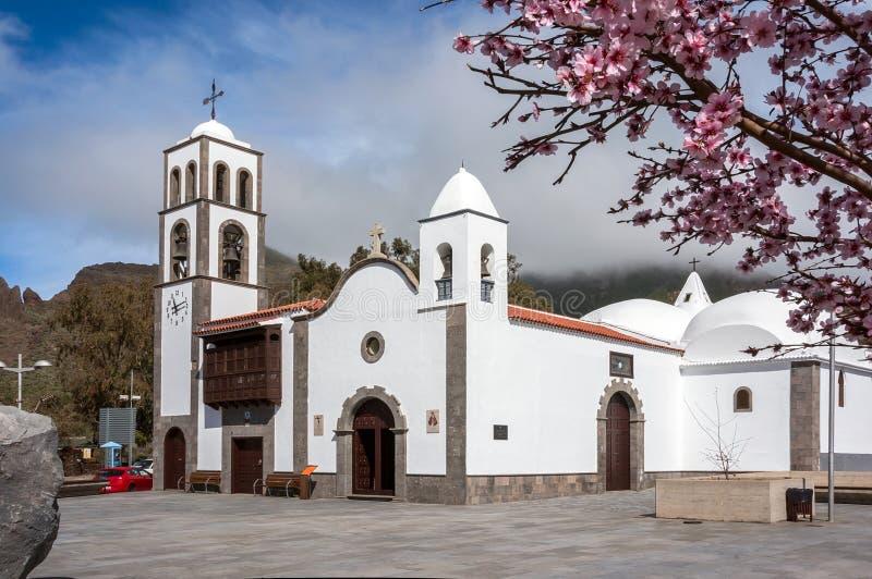 Katholieke kerk Iglesia DE San Fernando Rey 1679 in het vierkant van de stad van Santiago del Teide stock foto's
