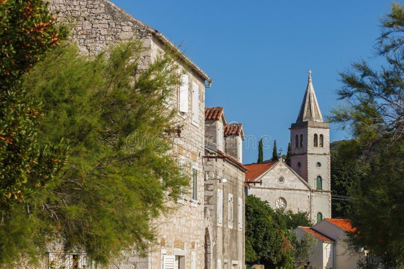 Katholieke kerk in Zlarin stock foto