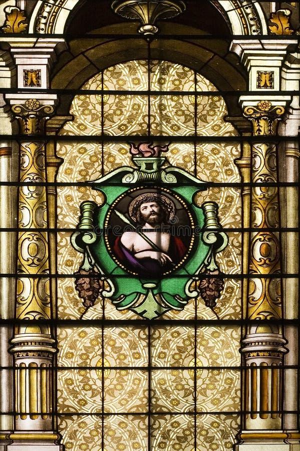 Katholische Kirche beflecktes Windows stockbild