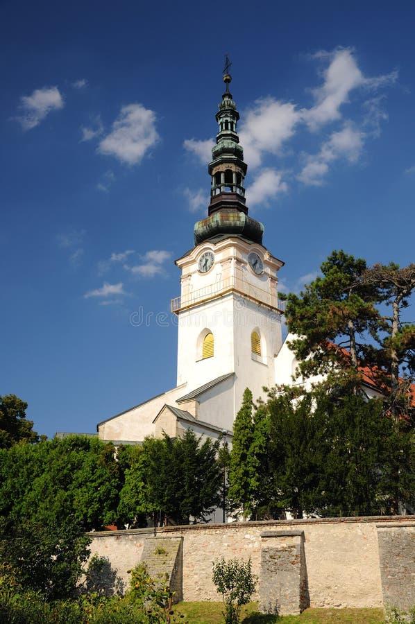 Katholische Kirche im StadtNove mesto nad Vahom stockfoto
