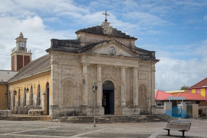 Katholische Kirche von Heilig-Jean-Baptiste in der Stadt Le Moule, Guadeloupe stockbilder